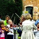 Should Your Child Take Private Lessons or Group Music Classes?