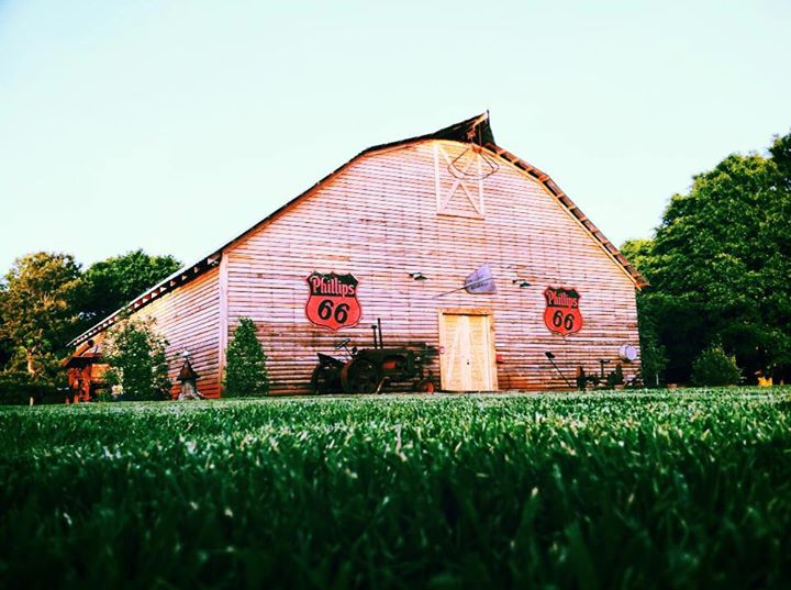 antique-acres-barn-wedding-venue-georgia